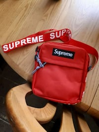 Supreme sidebag Windsor, N9A 6B8