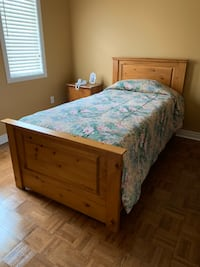Solid wood twin bed Toronto