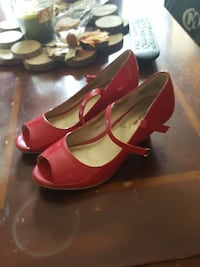 Size 3 youth American Eagle heels
