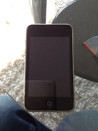 8gb iPod touch read info Edmonton, T5Z 3M7