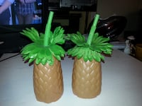 2 large plastic PINEAPPLE drinks cups luau party cocktails Hawaii Rockville