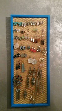JEWELRY FRAME - EARRING & BROOCH ORGANIZER Mississauga, L5M