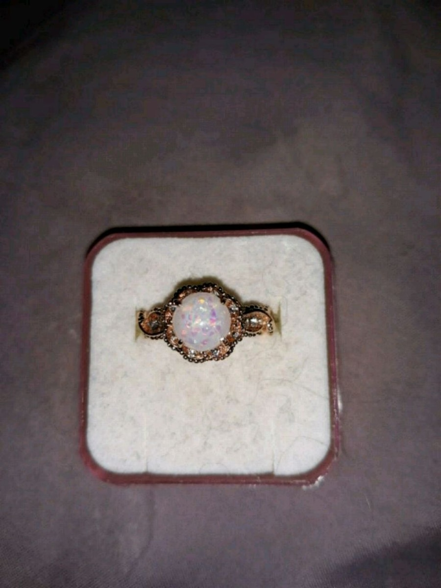 Photo fire opal ring size 6