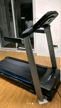 Horizon treadmill in excellent condition for sale. Brampton, L6Y 6C5