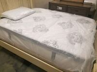Pillow top queen size mattress and boxspring Jacksonville, 32216