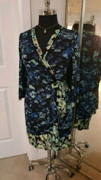 Beautiful BCBG Dress  Size Large Newmarket, L3X 1C5