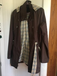 Light brown and beige zip-up jacket Size XL $25 Holland, 49423
