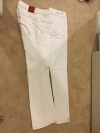 2 White Jeans. Size 3 and 5  Dumfries, 22026