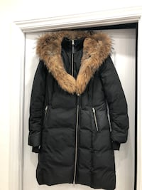 Mackage- Trish fitted winter Down coat with Fur lined and splittable Hood (size Large) Richmond Hill, L4C 6Z9