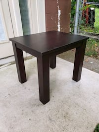 Table/ coffee table / plant stand