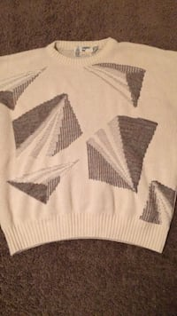 Classic  brown crew neck sweater Clarksville, 37040