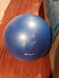 Large (65cm) balance ball with air pump & DVD (lik