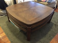 Dark drown wooden coffee and end table set New York, 10034