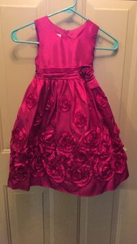 Girls dress Sz 4, Yes, it's available! Price is firm. Brand: Jessica Ann Broken Arrow, 74011