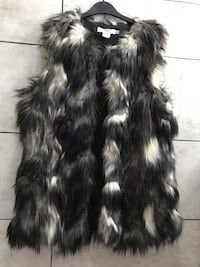Fur gilet Excellent condition (size 12) Front can be buttoned up Bromley, BR1 5NH