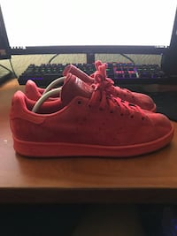 Adidas Stan Smith Shoes (Size 9) all red Las Vegas, 89147