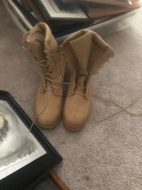 Army issued boots never used  Pasadena, 21122