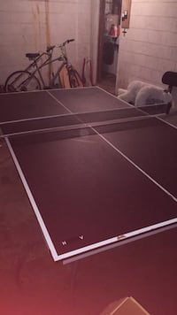 Ping pong table with two paddles and 4 balls Mc Lean, 22101