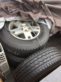 05 Ford Escape wheels and tires. Tires 90% teed. 235/70R16 General Grappler.