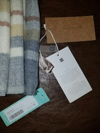 NEW With Tags! Chic Grey Plaid Infinity Scarf Las Vegas, 89121