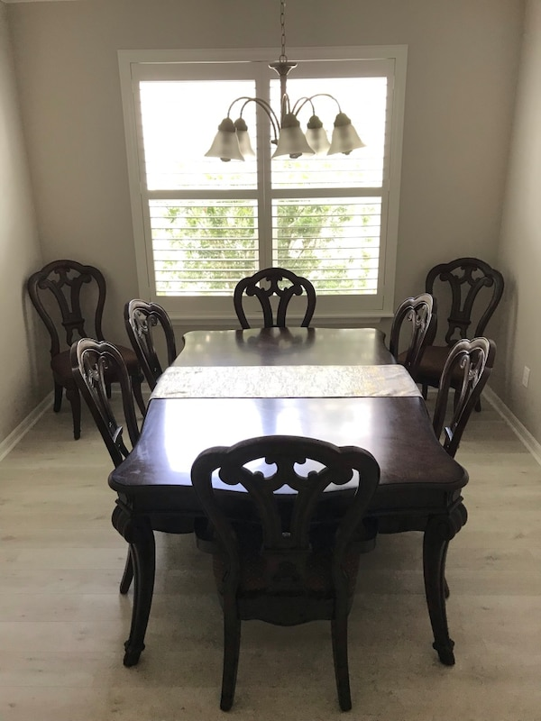 Havertys Dining Room Table and Chairs