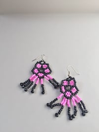 Orecchini Vintage Fatti a Mano di Colore Nero e Rosa ~ Vintage Look Handmade Earrings Color Black and Pink 7030 km