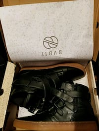 pair of black leather boots with box Queens, 11413