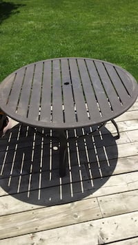 """Kids aluminum/metal patio table!!! 20 inches high-40"""" inches in diameter!!!! Need a kids table umbrella and a good cleaning!!! Brampton, L6S 2Z5"""