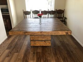 Beautiful wooden table 6x6 ft