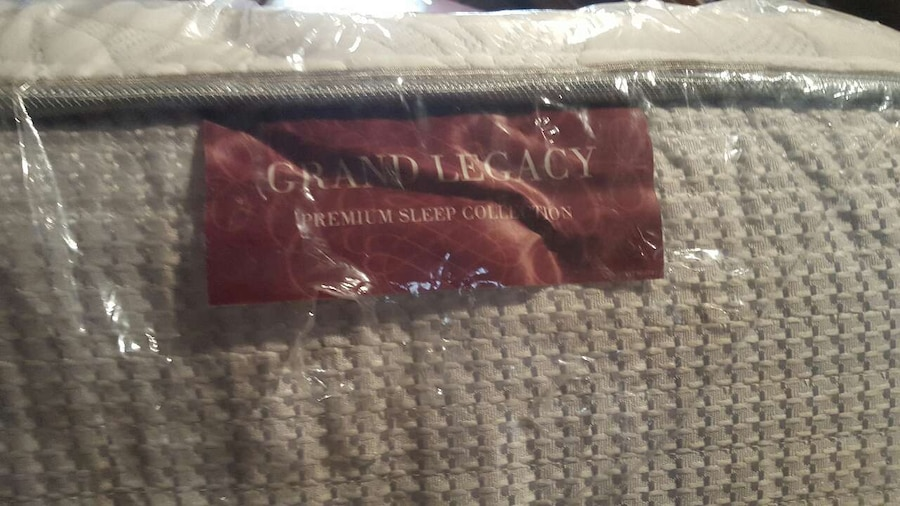 Queen size mattress with Frame and box springs in Crafton - letgo
