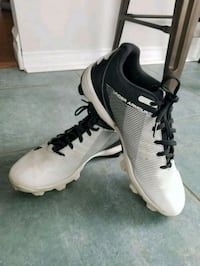 Baseball Lacrosse Cleats Youth Size 6 Innisfil, L9S 2A3