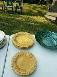 three round green and brown ceramic plates San Antonio, 78216