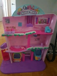 pink and green plastic dollhouse Mississauga, L4X
