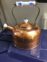 Copper kettle. For decor only 794 km