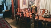 Beautiful Dining room Table & Chairs Moore, 73160