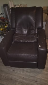 black leather recliner sofa chair Regina, S4R 4T7