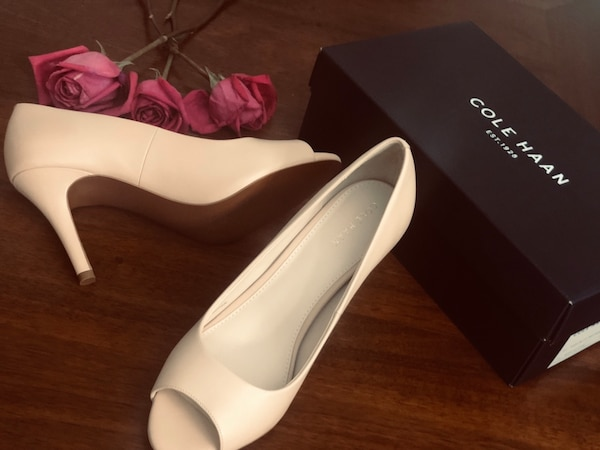 New pump sandals, Cole HAAN, size 8, color: Nude Leather 682cb7e9-b6a2-45e5-8ddc-521f6bb368cf