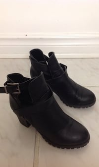 Black Ankle Shoes: Size 6.5 Toronto, M6G