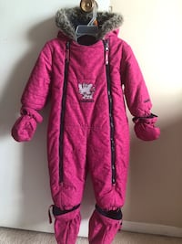 Baby girl winter suits 12 at 18 months Calgary, T3E 6X3
