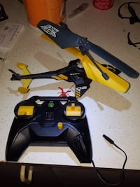 black and yellow Air Hogs RC helicopter with controller Ottawa, K1C 1T4