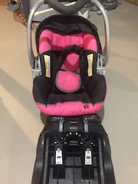 Baby Trend Car seat and base  New Windsor, 21776