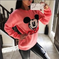 Sweater Mickey size S  London, N5V 5J4