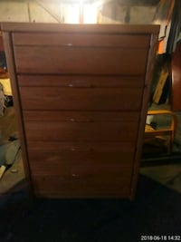 Chester drawers  St. Louis, 63116