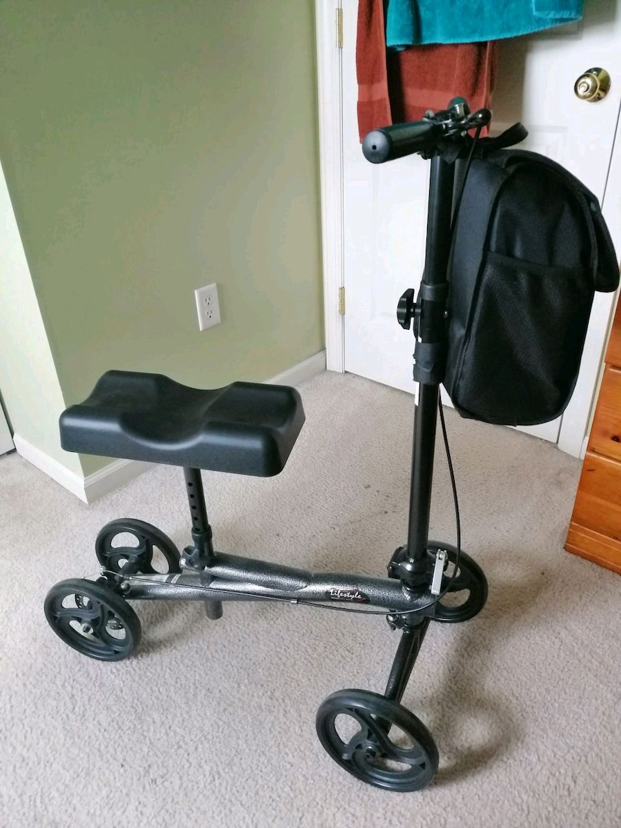 Photo Knee scooter - barely used