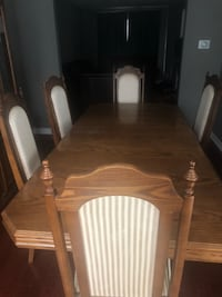 5 Chairs-(6th is broken) large wooden dining table with hutch $200 OBO Mississauga, L5N 4N2