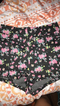 High waisted shorts Ottawa, K4A 4R3
