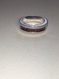NEW  - Stamped 925 Sterling Silver - 7 RED Square Stone - Channel Setting - Very Nice Ring  Edmonton