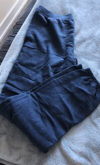Hanes fleece sweatpants - fits L to XL Toronto, M4Y 1K3