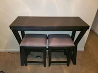 Fold out 2 seat dinner table  Norfolk, 23518