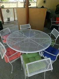 Patio table & 6 chairs Thousand Oaks, 91320